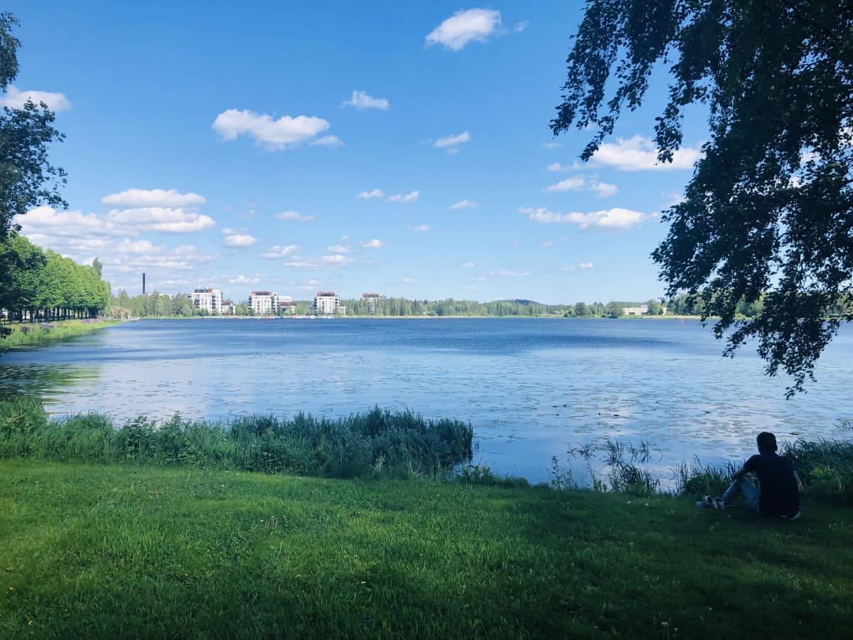 Vanajaveden rantaa Hämeenlinnassa