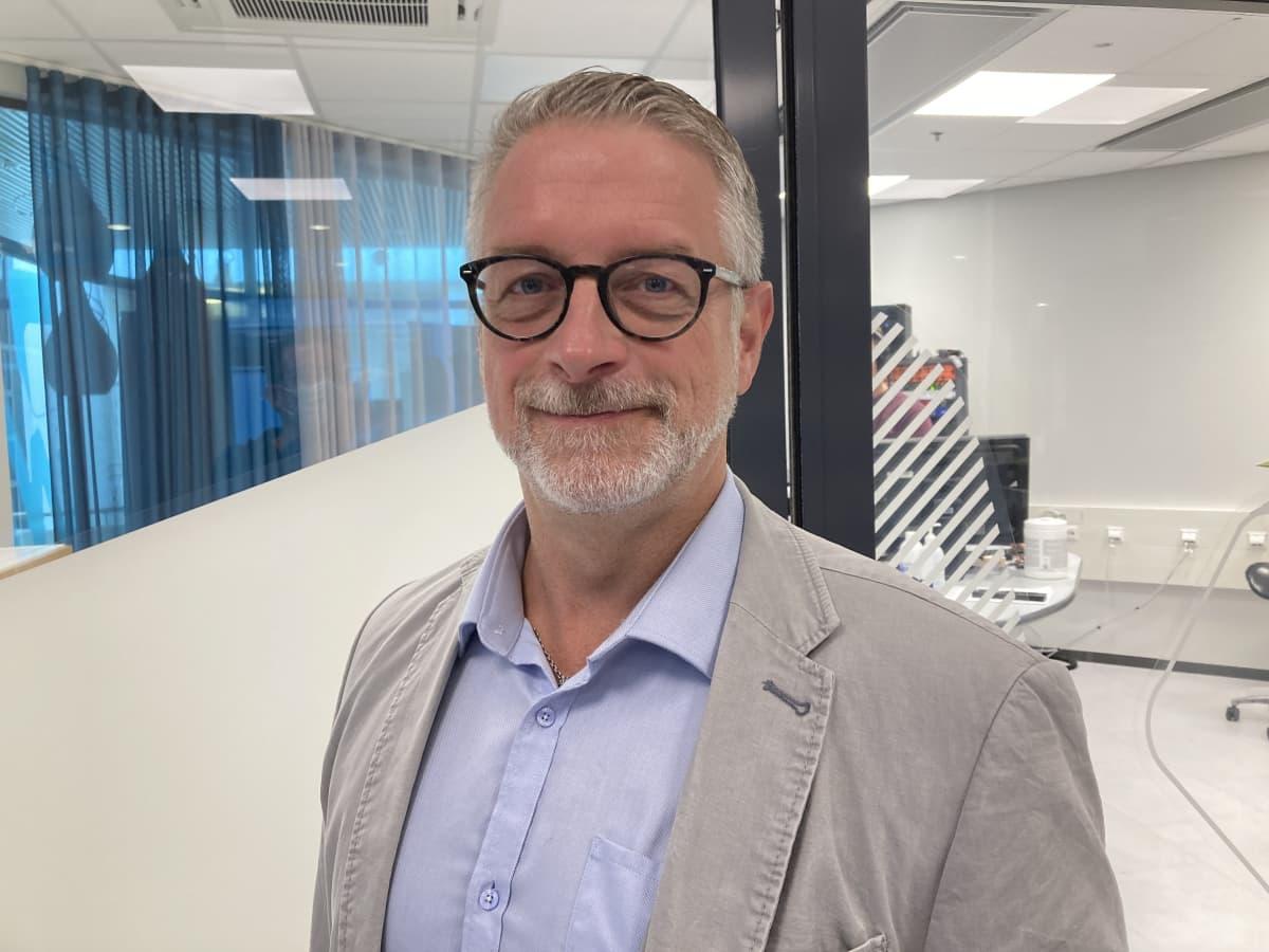 Kirjailija ja kansanedustaja Marko Kilpi