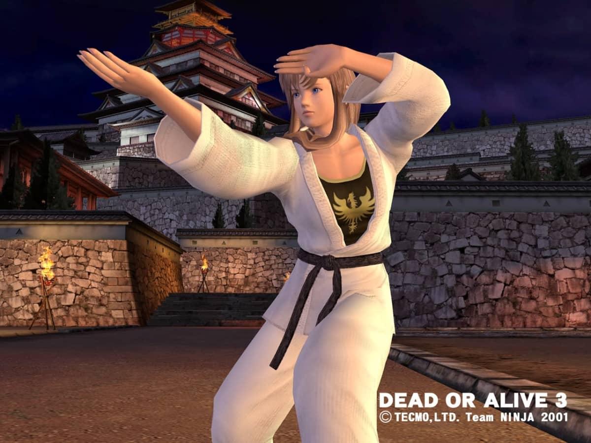 Naishahmo taisteluasennossa. Dead or alive 3 -videopeli.