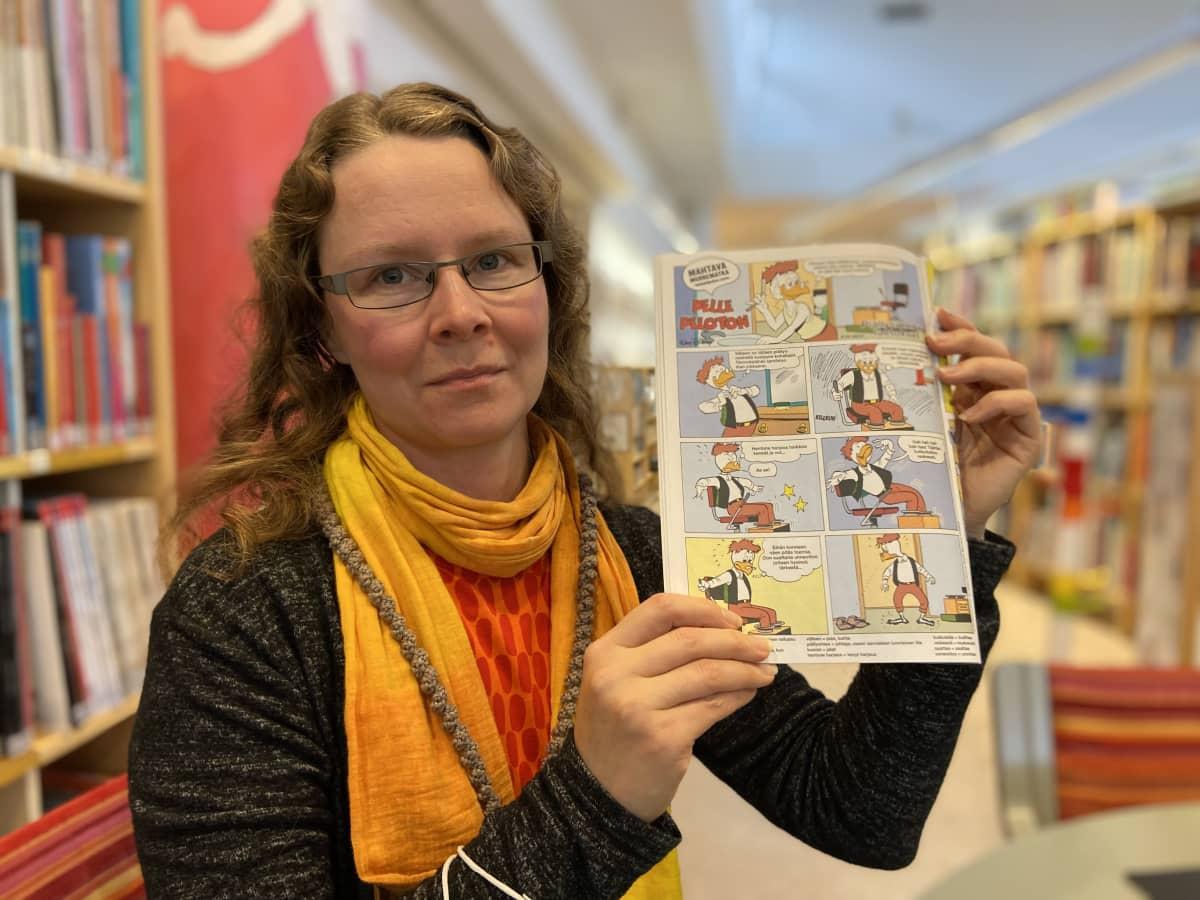 Piia Häkkinen käänsi Aku Ankka -sarjakuvan Juvaksi.