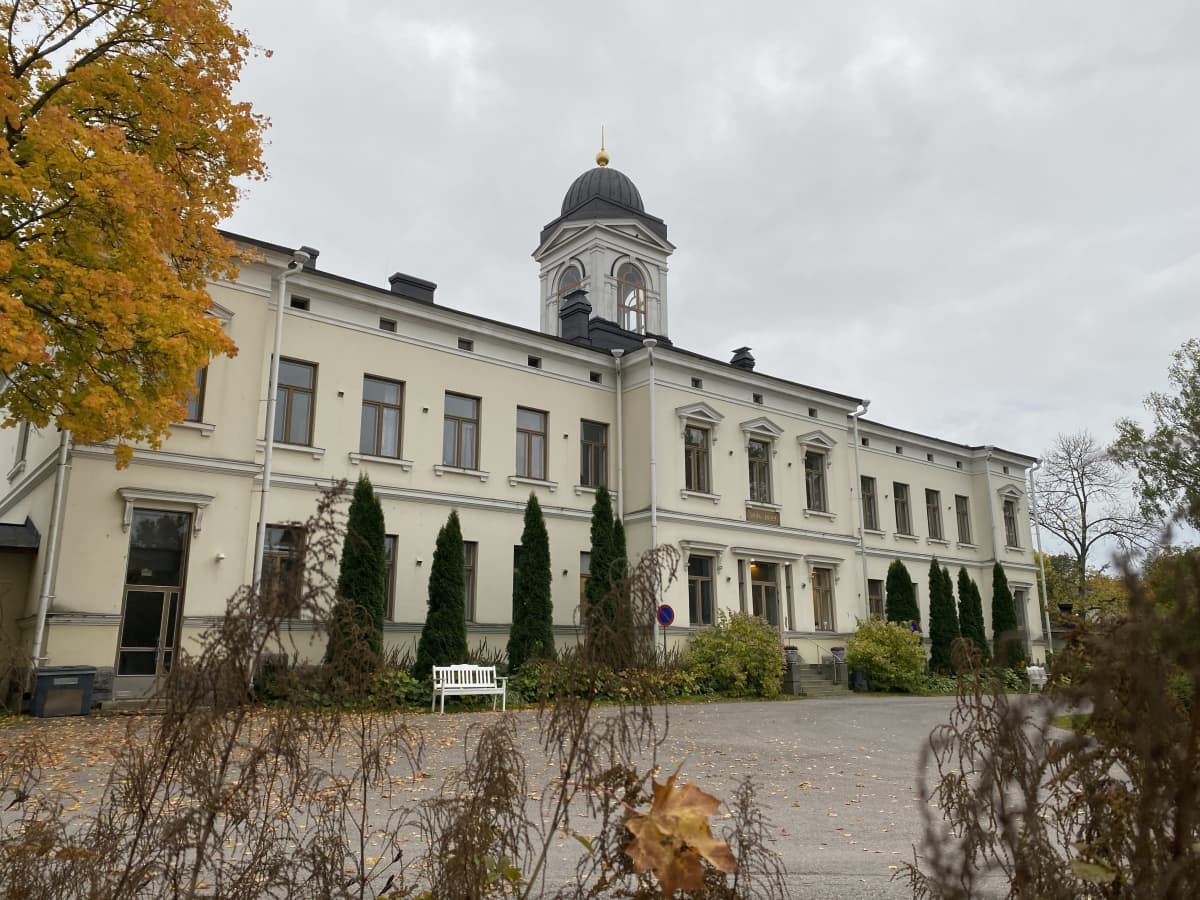Pitkäniemen sairaalan päärakennus