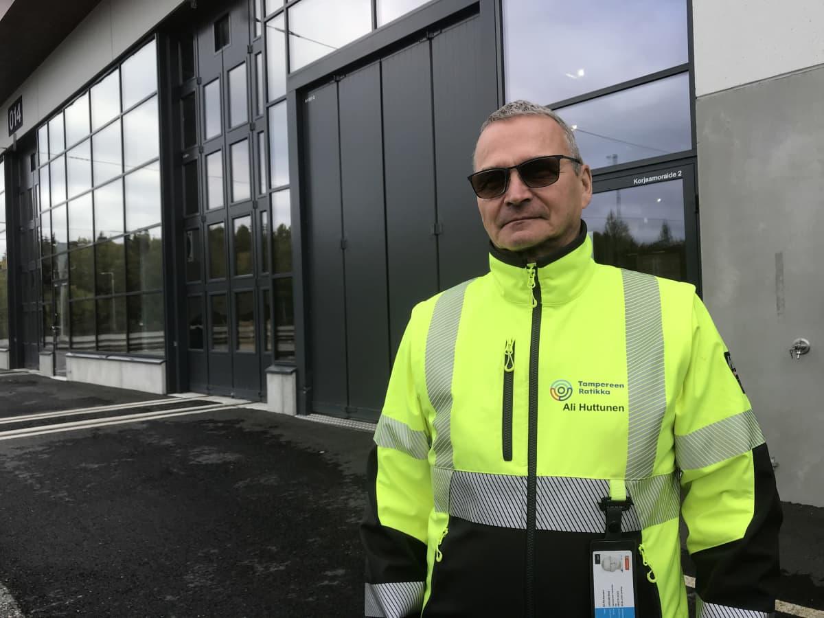 kalustopäällikkö Ali Huttunen, Tampereen Raitiotie Oy