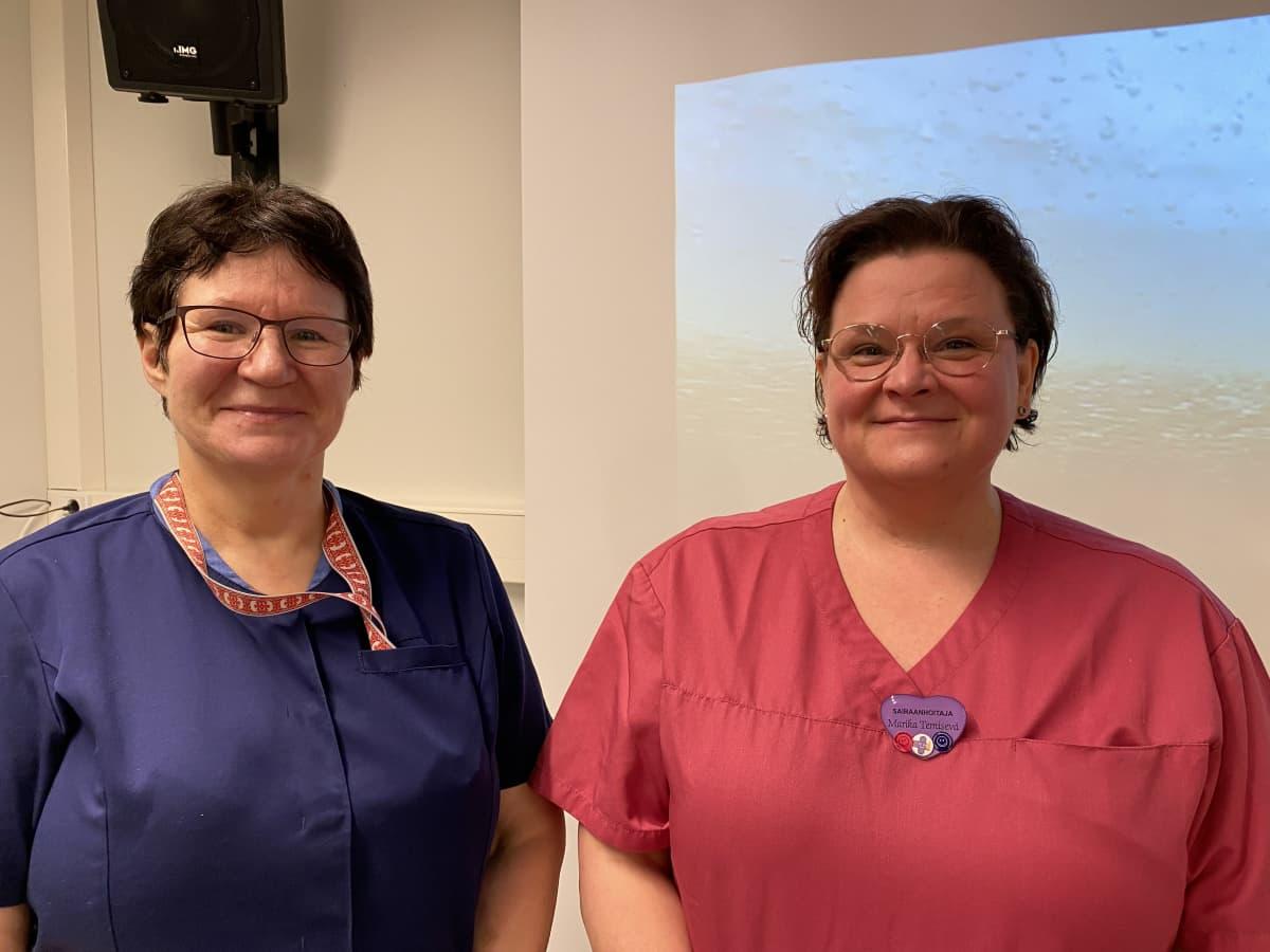 Lähihoitaja Selma Nuorgam ja vastaava sairaanhoitaja Marika Temisevä Männikön palvelutalossa Ivalossa