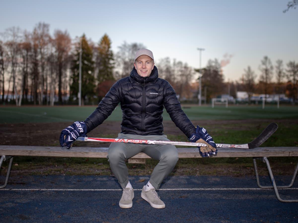 Janne Puhakka kuvassa.