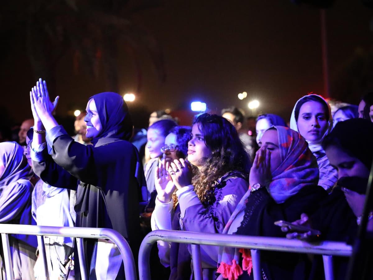 Riadissa tarkoin valitut naiset ovat päässeet harvinaiseen jazz-konserttiin 2018