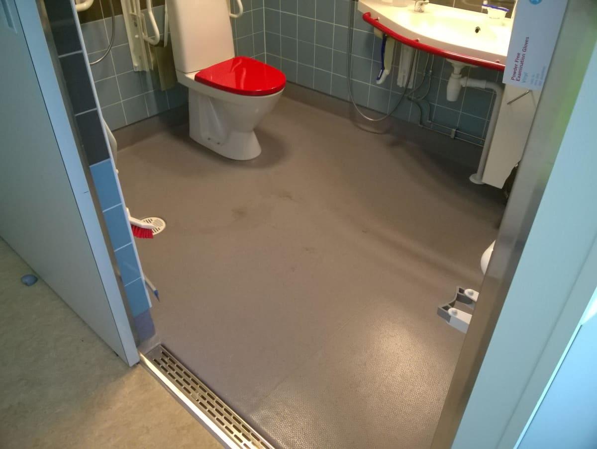 Rajakylän Hoivan vessoissa on ainakin 200 000 euron kosteusvaurio