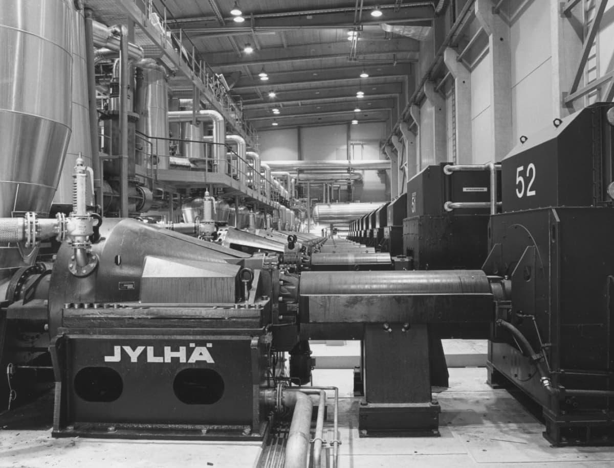 Kaipolan tehtaan uusi kuumahierrelaitos vuonna 1987.