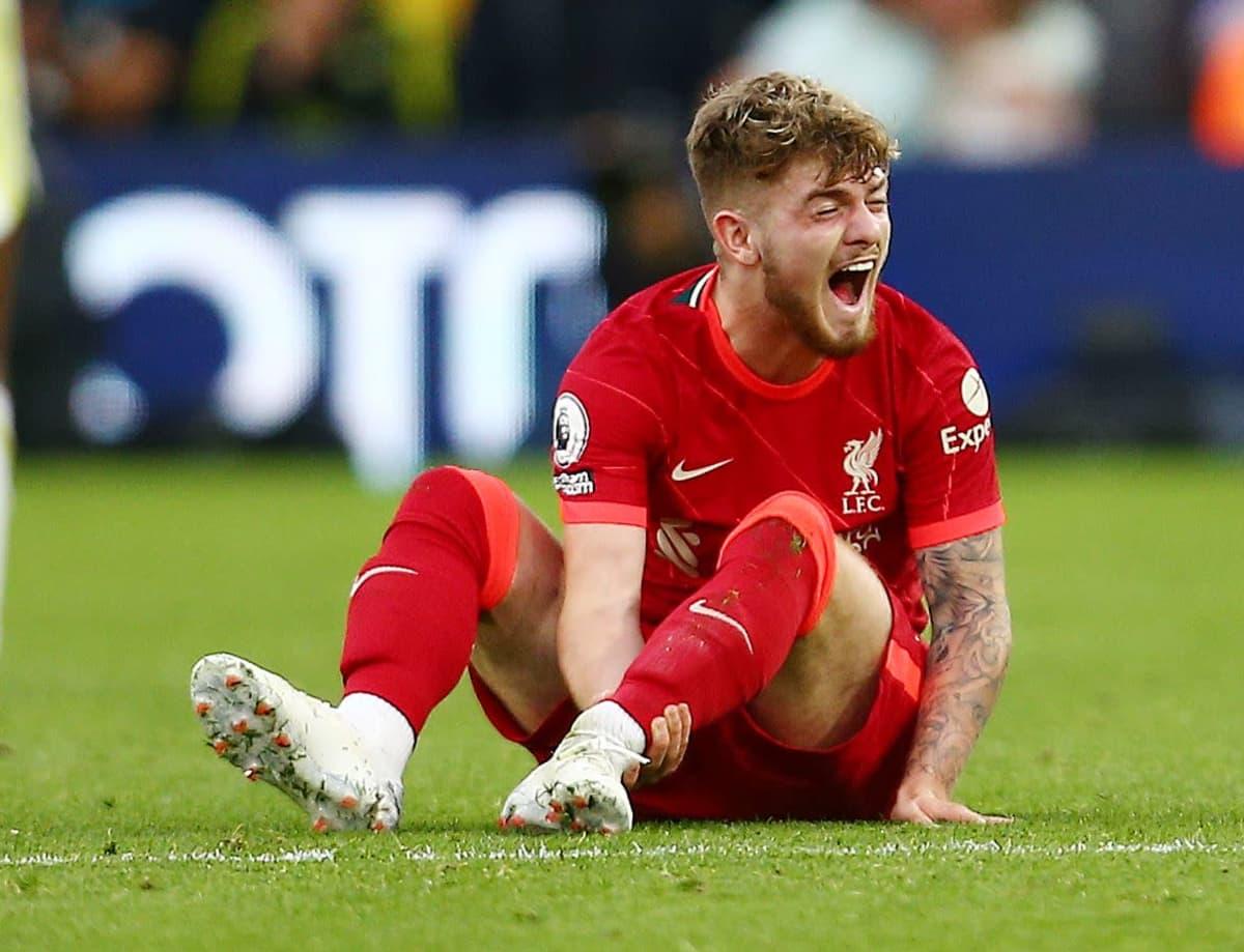 Liverpoolin Harvey Elliott loukkaantui Leeds-pelissä.