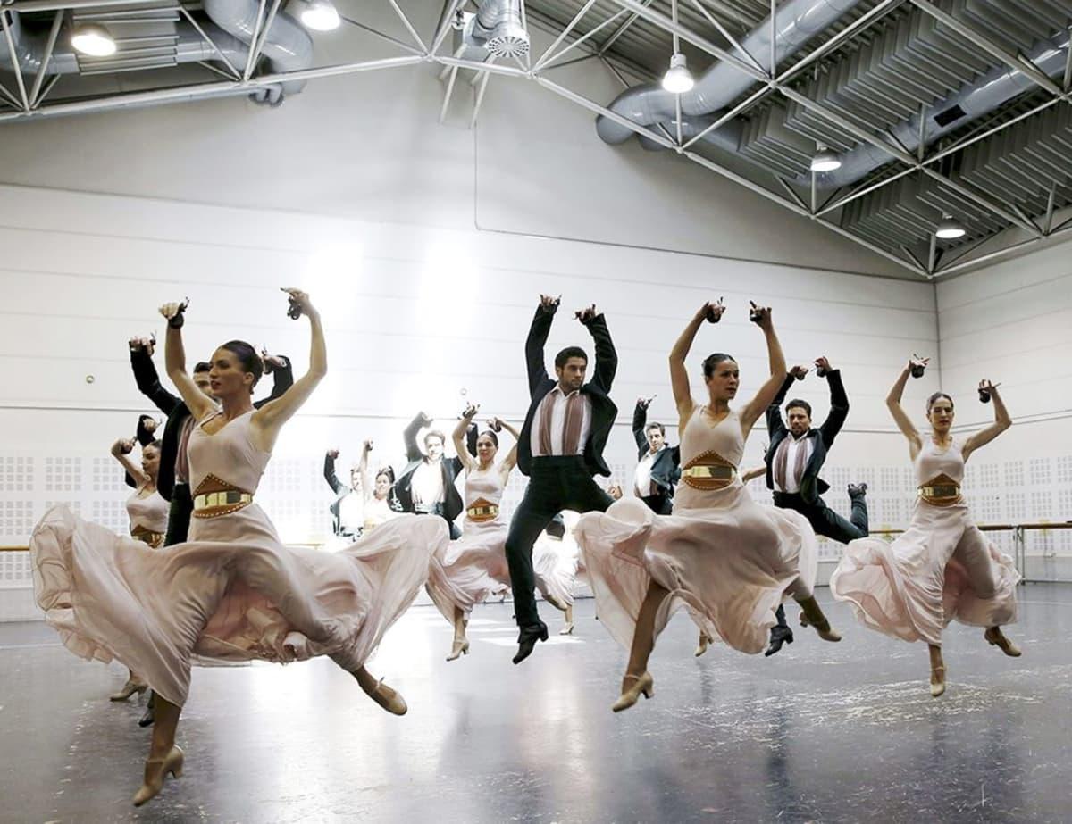 """Espanjan kansallisbaletin tanssijat """"Atlanton"""" harjoituksissa Madridissa 2. kesäkuuta."""