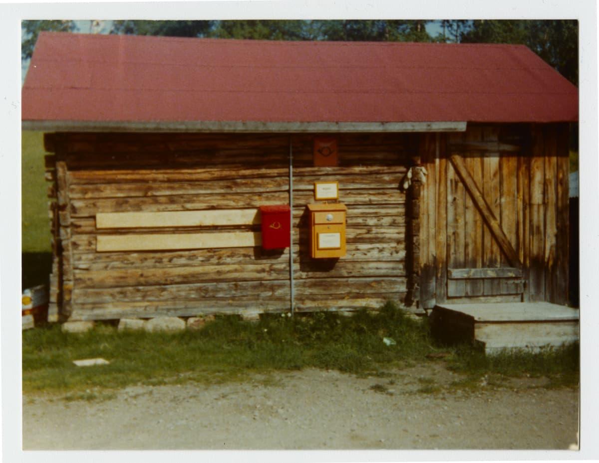 Hirsimökissä toimi aikoinaan posti.