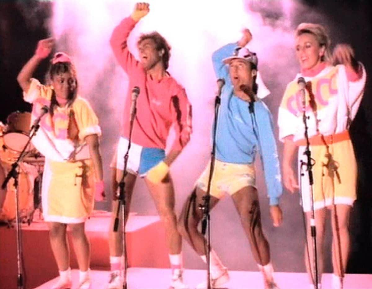 Syyskuun 1984 uusimmat ulkomaiset hitit (muun muassa Wham! -yhtye) olivat Timo T.A. Mikkosen ja alueellisten katsojaraatien arvioitavana Hittimittarissa.