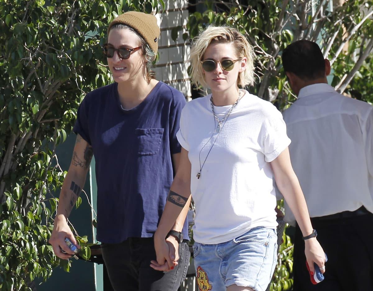 Kristen Stewart ja Alicia Cargile.