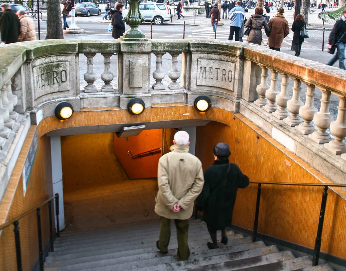Pariisi Ranska Metro portaat.