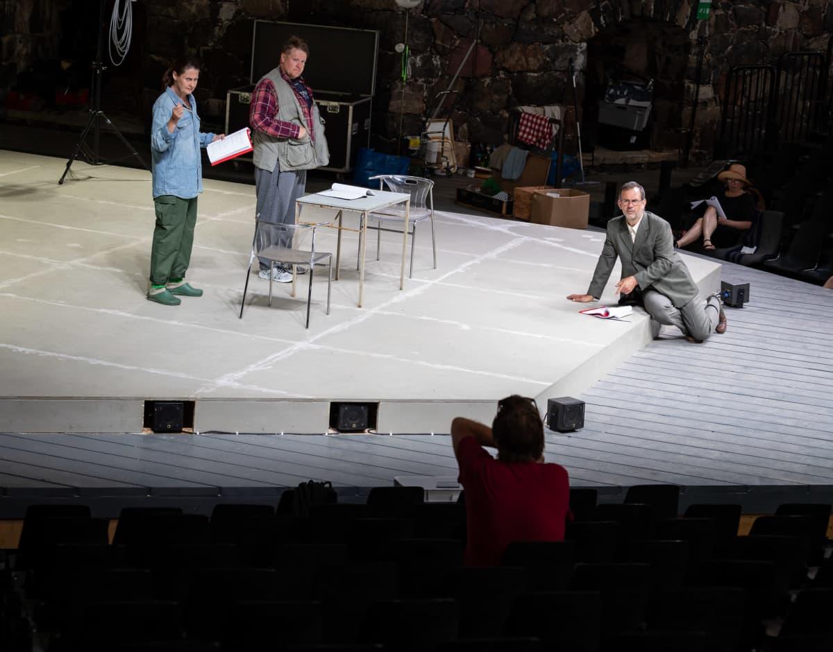 Ryhmäteatterin Elling-näytelmän harjoitukset Suomenlinnassa