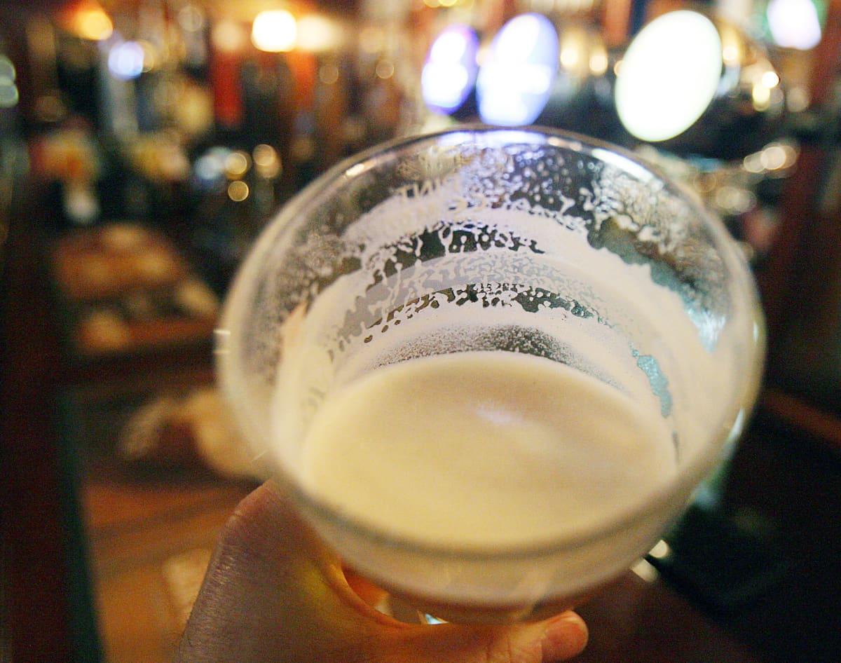 Olutta englantilaisessa pubissa.
