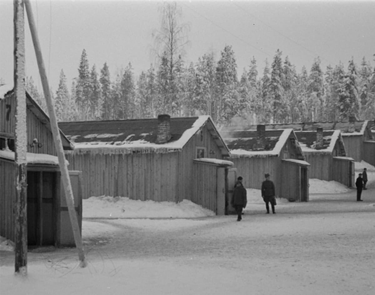 Pieksämäen Naarajärven järjestelyleiri vuodelta 1942.