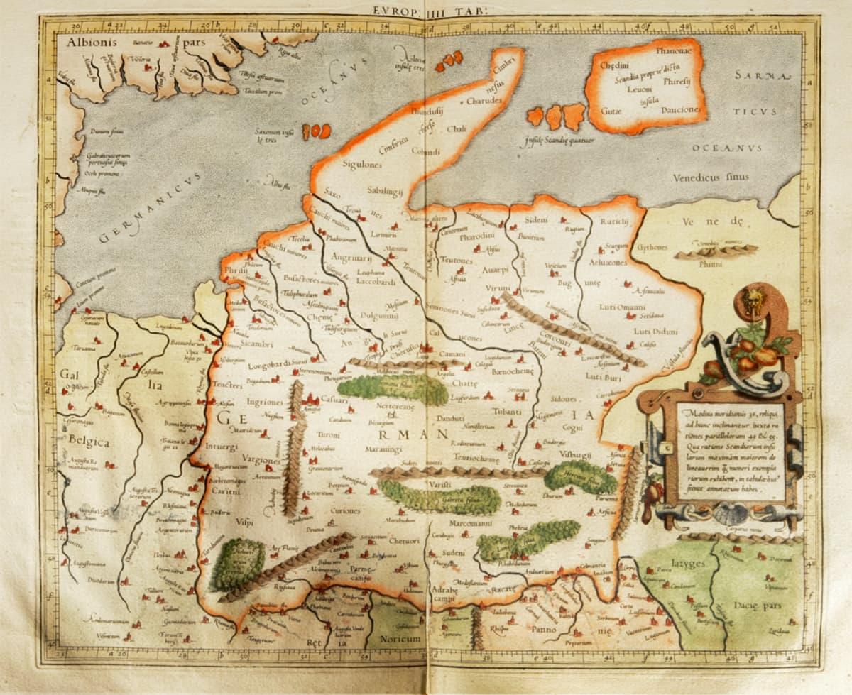 """Klaudios Ptolemaioksen vuoden 160 paikkeilla laatimasta maantieteellisestä pääteoksesta """"Geografike hyfegesis eli Geographia"""" tuli alansa auktoriteetti 1500-luvun puoliväliin asti."""