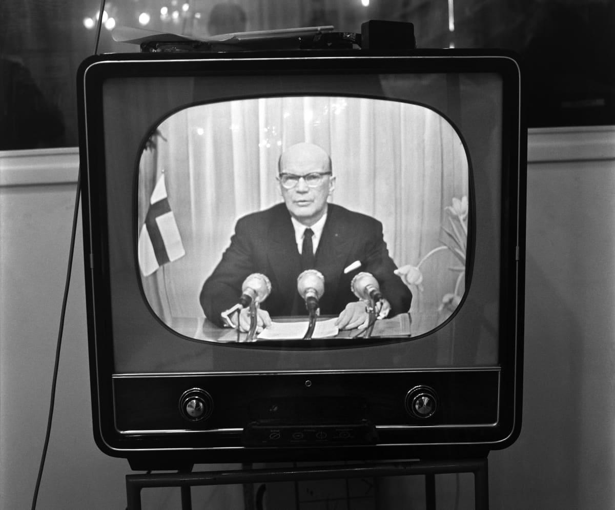 Presidentti Urho Kekkonen puhuu uudenvuoden päivänä vuonna 1958.