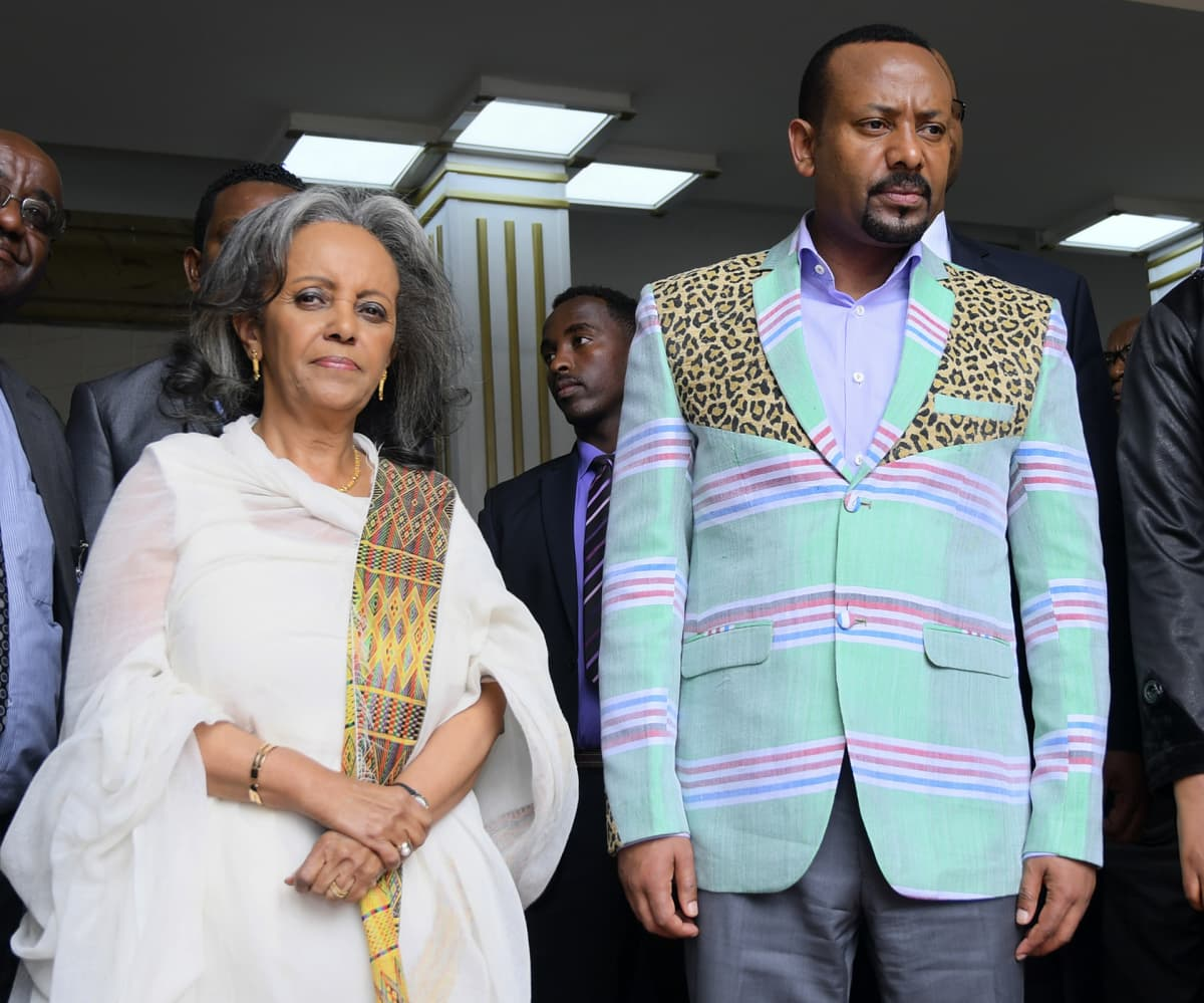Etiopian presidentti Sahle-Work Zewde ja pääministeri  Abiy Ahmed parlamentissa Addis Abebassa.