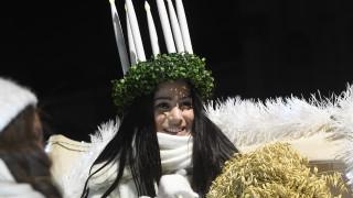 Видео: Uutisvideot: Itsenäisyyden juhlavuoden Lucia-neito kruunataan Helsingin tuomiokirkossa