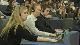 Video: Turvallisuus ja suhtautuminen Euroopan unioniin puhuttivat Euroscolassa