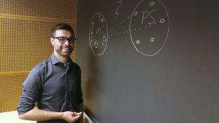 Audio: Kosmologille syksyn pimeys avaa ikkunan maailmankaikkeuteen
