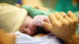 Audio: Millaisin keinoin synnytyspelkoa ja -traumoja voi vähentää?