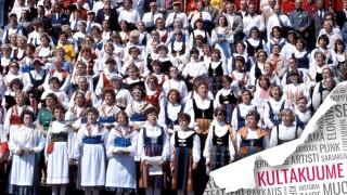 Audio: Laulu voi saada ihmisen leijumaan ja itkemään, sanoo kuoronjohtaja Matti Hyökki