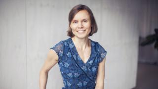 Audio: Anni Kytömäen Kivitasku on sukupolviromaani vapaudesta