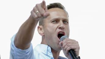 Aleksei Navalnyi lähdössä Berliinistä Moskovaan