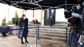 Hallituksen tiedotustilaisuus koronatoimista - tilaisuus Valtioneuvostoston linnasta kokonaisuudessaan