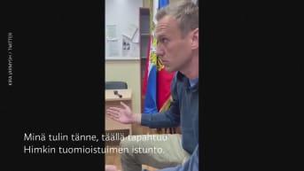 Oppositiojohtaja Navalnyi kommentoi oikeudenkäyntiä