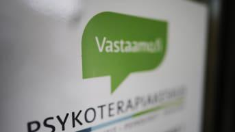 Kuvassa on Vastaamon logo.