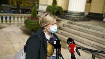Tiede- ja kulttuuriministeri Annika Saarikko saapui hallituksen iltakouluun Säätytalolle.