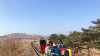 Venäläiset diplomaatit palasivat kotiin Pohjois-Koreasta resiinalla.