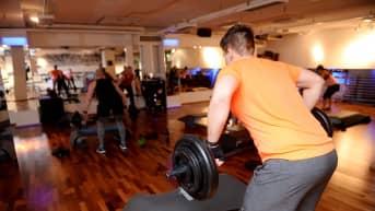 Bodypump-liikuntaa liikunta- ja hyvinvointikeskus Fressissä Kampissa Helsingissä 9. marraskuuta 2018.