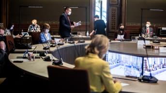 Hallitus neuvottelee Säätytalossa.