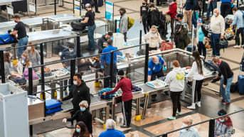 Turvatarkastuksia tehtiin lentoasemalla Denverissa maaliskuussa.