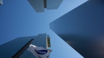 Eteläkorealainen laitevalmistaja Samsung näyttää tuoreimman vuosineljännestuloksensa perusteella hyötyneen kiinalaisen kilpailijansa Huawein kokemista vastoinkäymisistä.