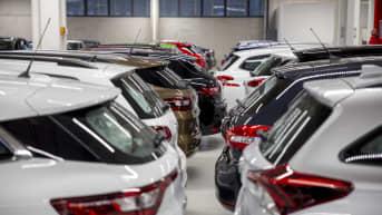 Myytäviä autoja Autoverkkokaupassa Vantaalla.