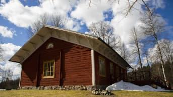 Suomen ensimmäinen koulu Hausjärven erkylässä.