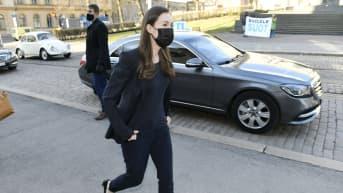 Pääministeri Sanna Marin saapui hallituksen puoliväliriihen toisen päivän neuvotteluihin Säätytalolle.