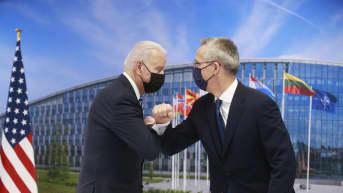 Presidentti Joe  Biden puhuu Naton kokouksessa