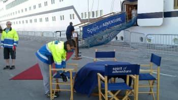 Spirit of Adventure risteilijä Oulun Oritkarin satamassa 8.6.2011