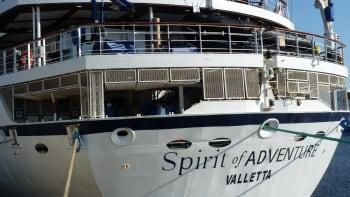 Matkustaja-alus Spirit of Adventure seilaa Maltan lipun alla.