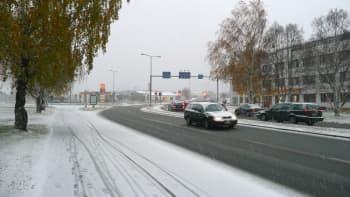 Ensilumi satoi Rovaniemelle 16. lokakuuta 2012.