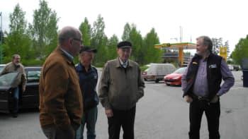 Pekka Autio ja miehet rupattelemassa