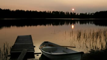 Auringonlasku Keuruun Huhkojärvellä.
