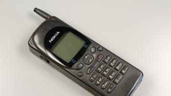 Nokia 880 -puhelin, joka oli myynnissä 1995-1997.