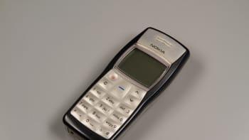 Nokia 1100 -puhelin, joka tuli myyntiin vuonna 2003.